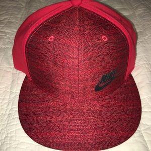 NIKE TRUE Spellout Logo Ball Cap Red Black NEW